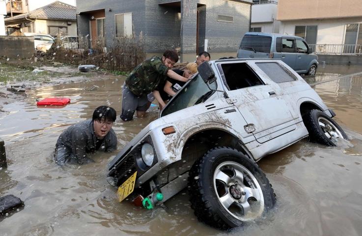 Japonya'daki sel felaketinde ölü sayısı 112'ye yükseldi 3