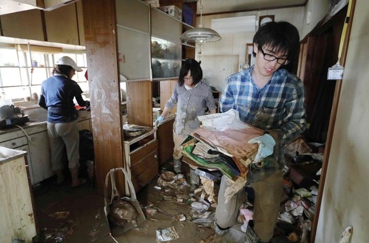 Japonya'daki sel felaketinde ölü sayısı 112'ye yükseldi 4