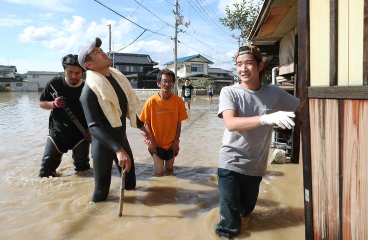 Japonya'daki sel felaketinde ölü sayısı 112'ye yükseldi 5