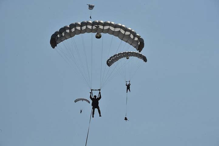 Özel Kuvvetlere paraşüt eğitimi 1
