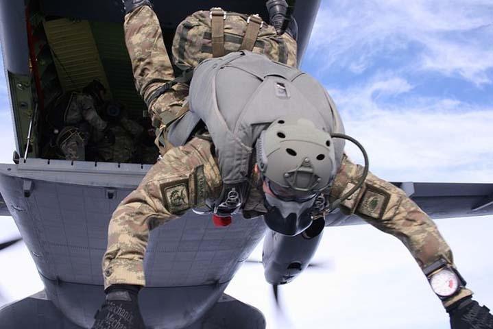 Özel Kuvvetlere paraşüt eğitimi 3