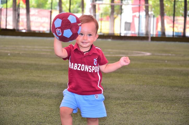 Dünyanın en genç transferi 'Bordo' çalışmalara başladı 1