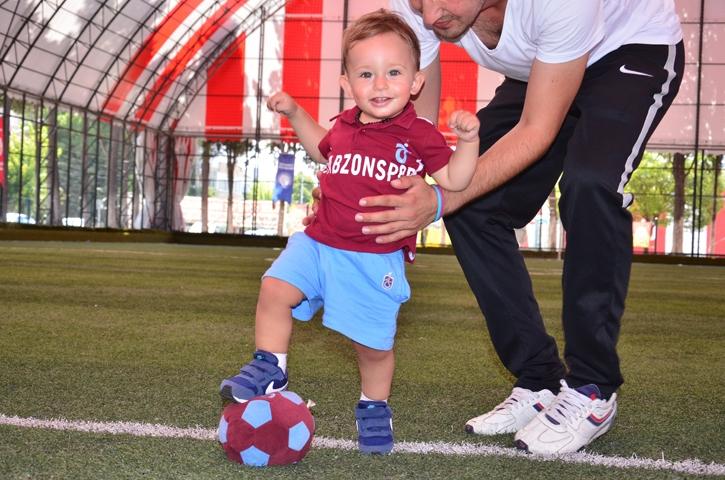 Dünyanın en genç transferi 'Bordo' çalışmalara başladı 12