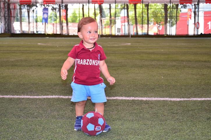 Dünyanın en genç transferi 'Bordo' çalışmalara başladı 14
