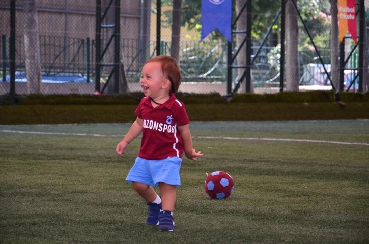Dünyanın en genç transferi 'Bordo' çalışmalara başladı 2