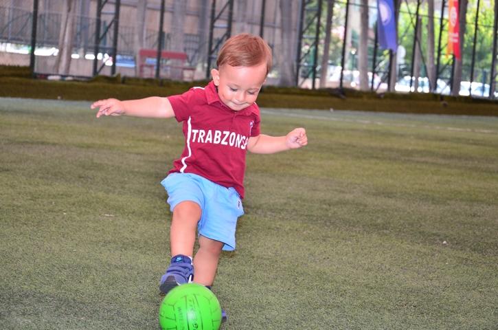 Dünyanın en genç transferi 'Bordo' çalışmalara başladı 3