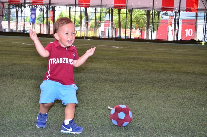 Dünyanın en genç transferi 'Bordo' çalışmalara başladı 6