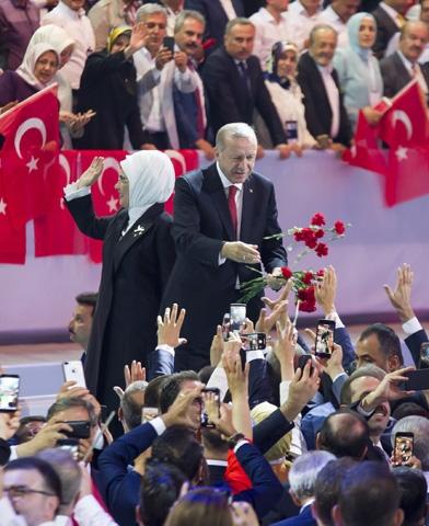 AK Parti kongresine damga vurdu! 11