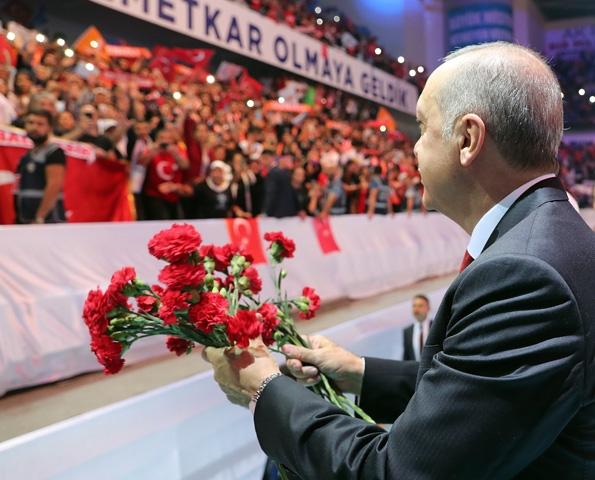 AK Parti kongresine damga vurdu! 15