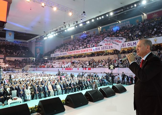 AK Parti kongresine damga vurdu! 24