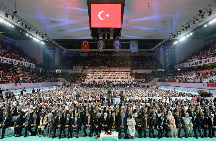 AK Parti kongresine damga vurdu! 31