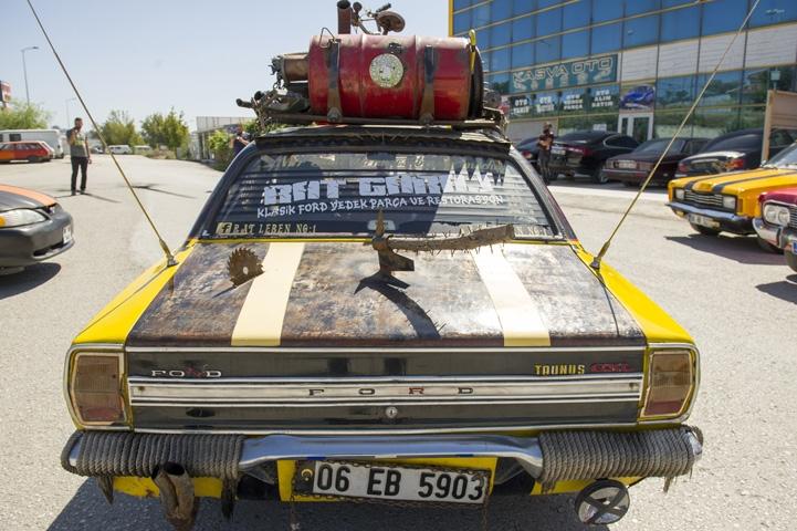 Ankara sokaklarında iki çılgın 16