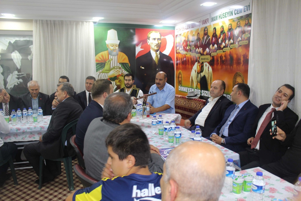 Türkmen Alevi Bektaşi Vakfı aşurede buluşturdu 1