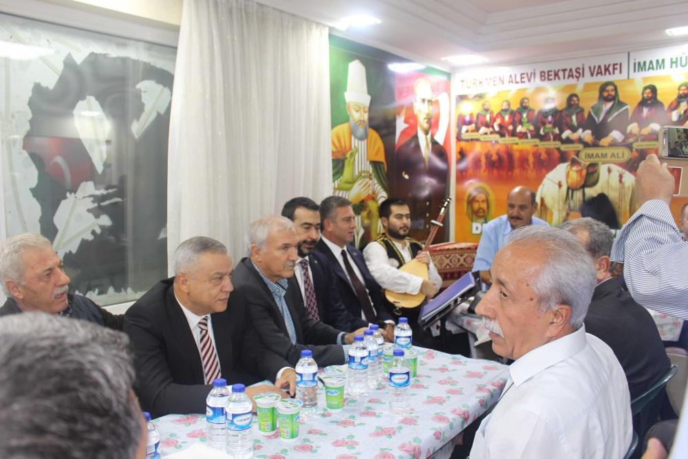 Türkmen Alevi Bektaşi Vakfı aşurede buluşturdu 4