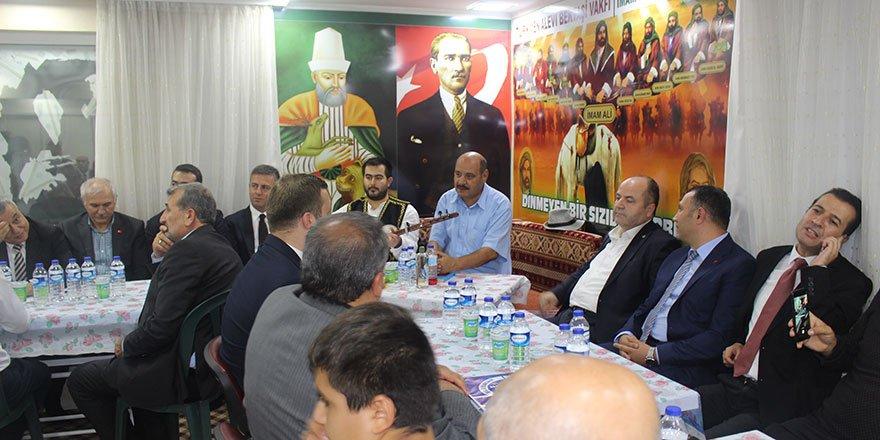 Türkmen Alevi Bektaşi Vakfı aşurede buluşturdu