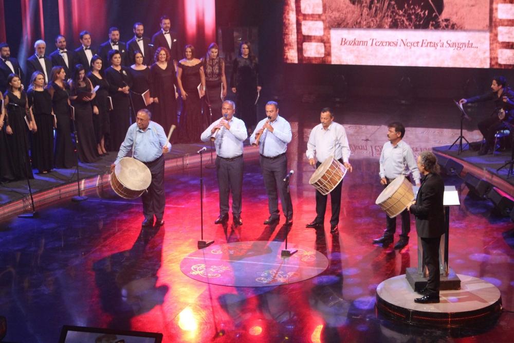 TRT'de Neşet Ertaş sesleri 6