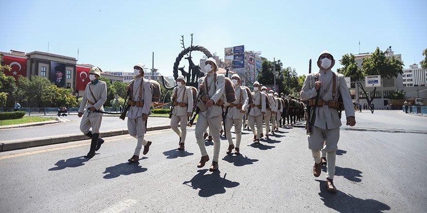 """Başkent'te """"Zafer Yürüyüşü"""""""