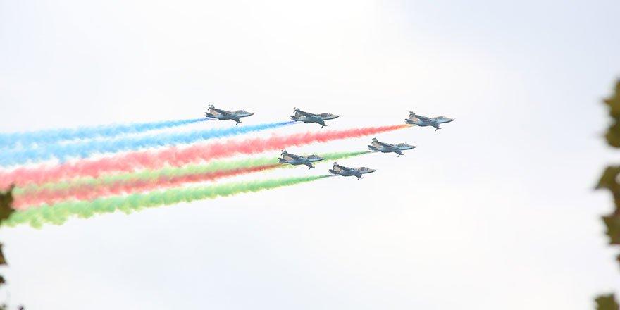 Azerbaycan, Dağlık Karabağ Zaferi'ni kutladı