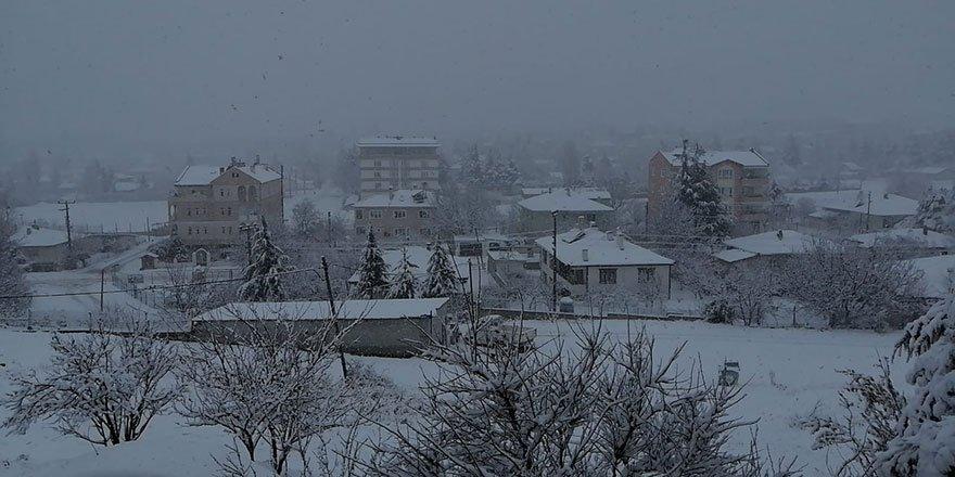 Ankara'da kar eşsiz kar manzaraları