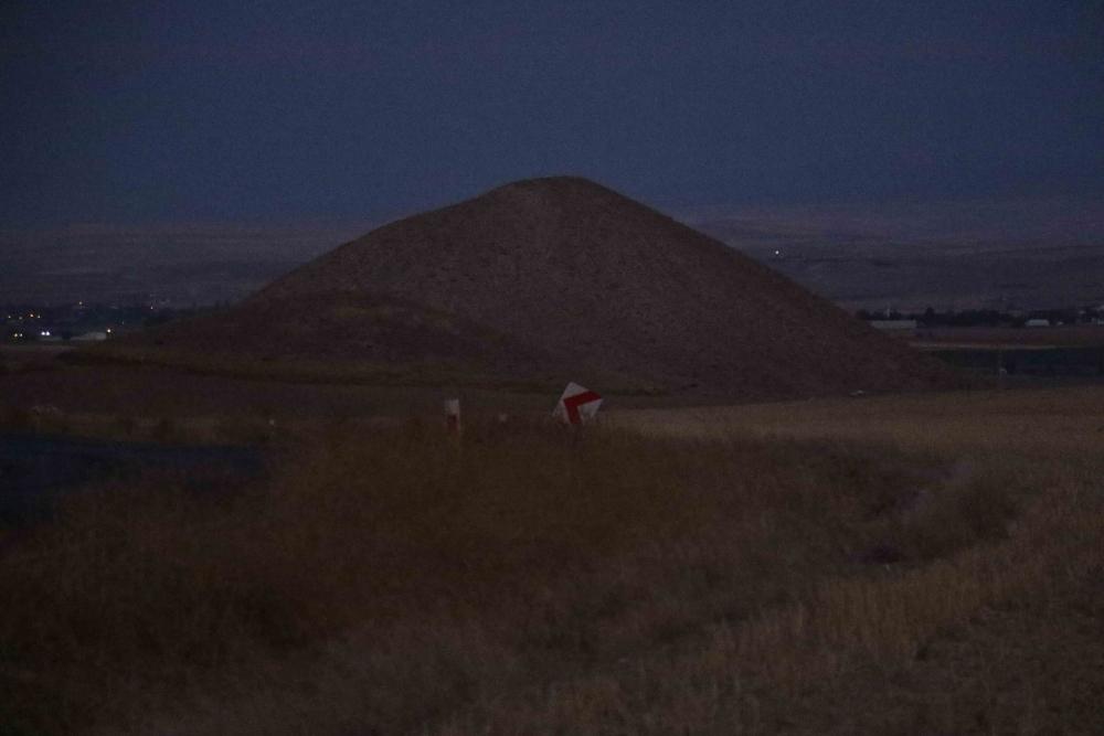 Başkent'in binlerce yıllık gizemli piramitleri 1