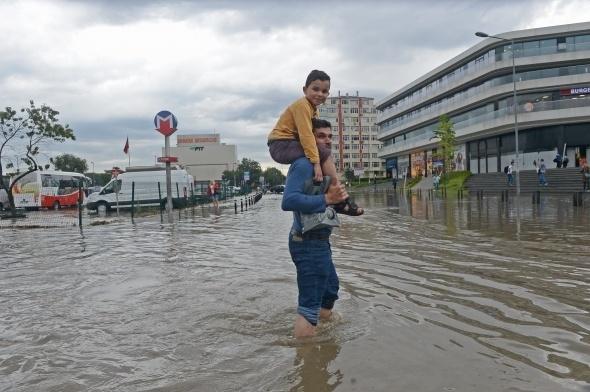 İstanbul'dan sel manzaraları 11