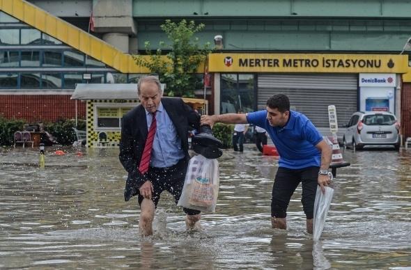 İstanbul'dan sel manzaraları 13