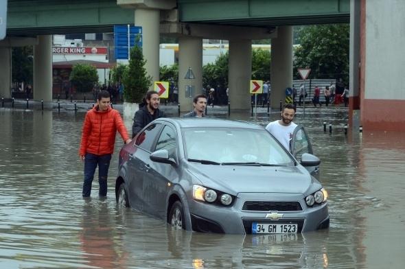 İstanbul'dan sel manzaraları 14