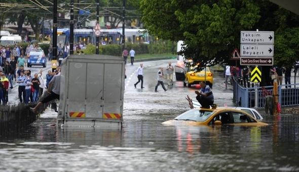 İstanbul'dan sel manzaraları 19