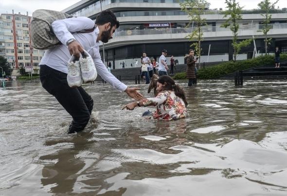 İstanbul'dan sel manzaraları 9