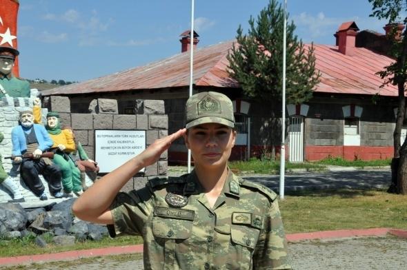 Sınırı bekleyen kadın askerler 3