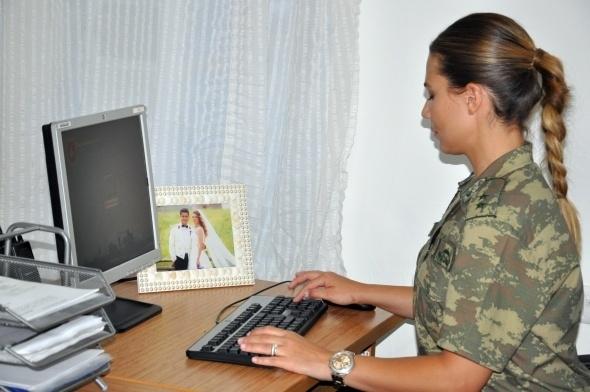 Sınırı bekleyen kadın askerler 6