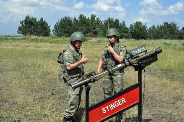 Sınırı bekleyen kadın askerler 7