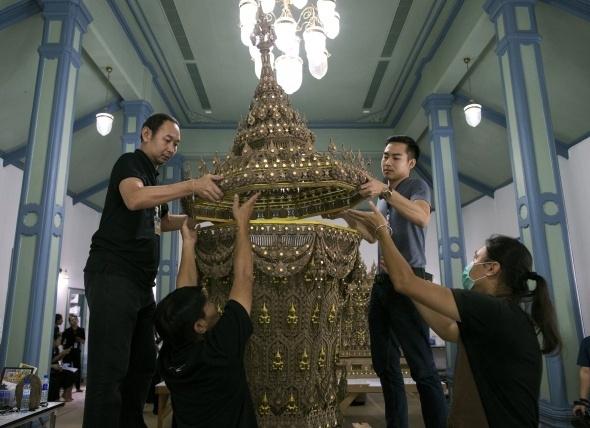 Tayland kralının yakılması için saray yapılıyor 2