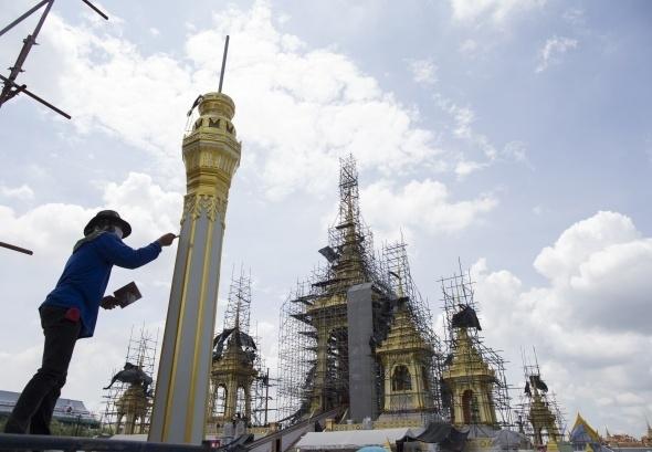Tayland kralının yakılması için saray yapılıyor 3