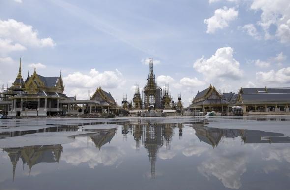 Tayland kralının yakılması için saray yapılıyor 4