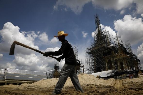 Tayland kralının yakılması için saray yapılıyor 6