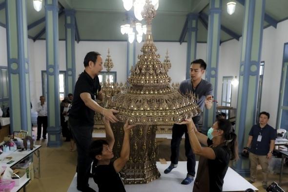 Tayland kralının yakılması için saray yapılıyor 7