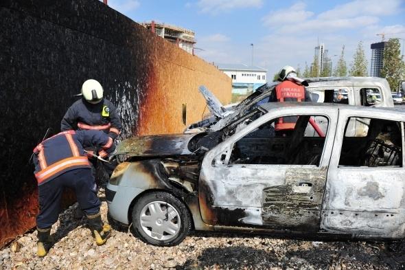 Başkent'te 7 araç yandı 12