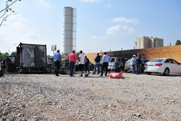 Başkent'te 7 araç yandı 14