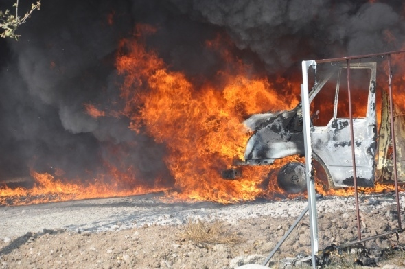 Başkent'te 7 araç yandı 3