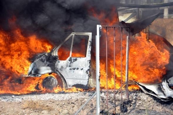 Başkent'te 7 araç yandı 4