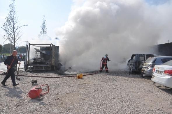 Başkent'te 7 araç yandı 5