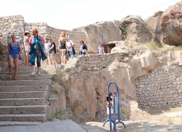 Kırkgöz Yeraltı Şehri ziyaretçilerini büyülüyor 8