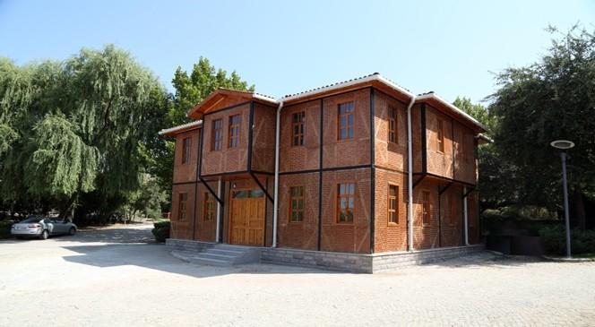 Parklara Tarihi Ankara Evleri geliyor