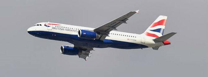 Dron, yolcu uçağına çarptı, 137 kişi ölümden döndü!