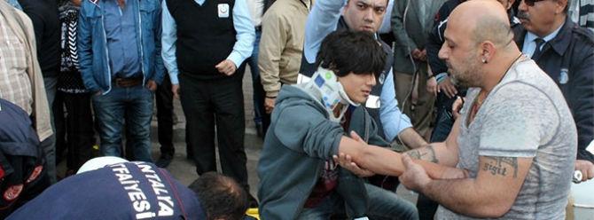 14 yaşındaki çocuğun bacağına demir saplandı
