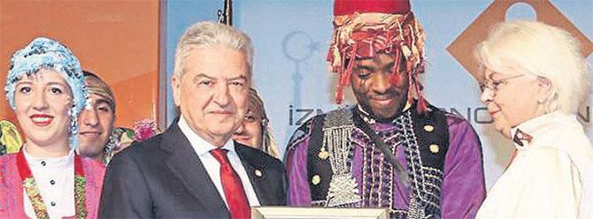 'Geleceğin Üniversitesi' İzmir Ekonomi olacak