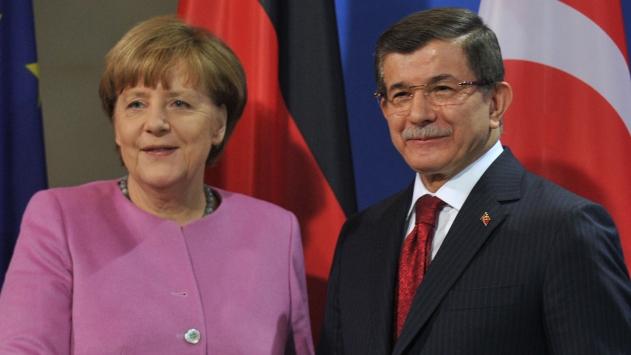 Başbakan Davutoğlu ve Merkel Gaziantep'e gidecek