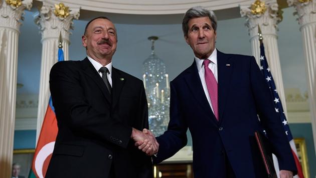 İlham Aliyev ile John Kerry görüştü
