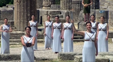 Rio Olimpiyatları için meşale Yunanistan'da yakıldı haberi